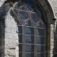 Fenêtre gothique flamboyant au mur sud du bras sud du transept (2017)