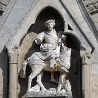 Statue de saint Martin au pignon du gâble du portail ouest (2017)