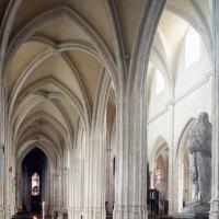 Le bas-côté nord de la nef vu vers le sud-est (2000)