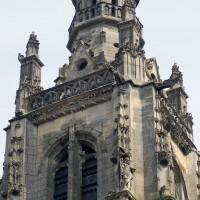 Les parties hautes de la tour vues du sud-ouest (2019)