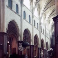 L'élévation sud de la nef vue vers le sud-ouest (1997)