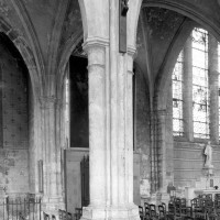 La dernière travée du bas-côté nord de la nef vue vers le nord-est (1979)