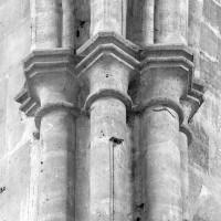 Chapiteaux à l'angle nord-ouest de la croisée du transept (1979)
