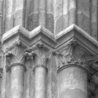Chapiteaux à la retombée sud du premier arc doubleau de la nef (1995)