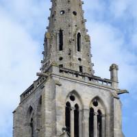 L'étage du beffroi et la flèche de la tour nord vus du sud-est (2016)