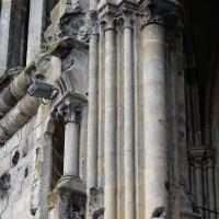 Détails de l'angle nord-est de la tour sud, au niveau du second étage correspondant au triforium de la nef disparue (2016)