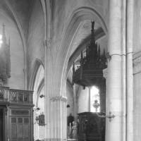 L'élévation partielle du mur nord de la nef vue vers le nord-ouest (1995)