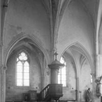 Le mur gouttereau et le bas-côté nord de l'ancien choeur du 13ème siècle (1995)
