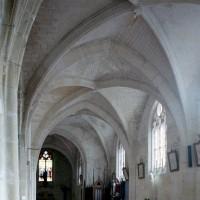 Le bas-côté sud de la nef vu vers le sud-est (2008)