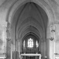 La première travée de l'ancien choeur du 12ème siècle vue vers l'est (1995)