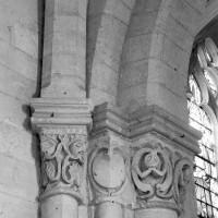 Vue partielle de la retombée  nord-est de la voûte de la première travée de l'ancien choeur du 12ème siècle (1995)
