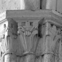 Chapiteaux à l'angle nord-est du choeur (1996)