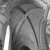 La voûte de la seconde travée du bas-côté sud de la nef vue vers l'ouest (1996)
