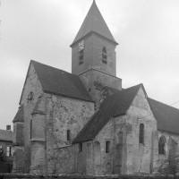 Les parties orientales de l'église vues du nord-est (1997)