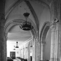 L'intérieur vu vers le nord-ouest avec la croisée du transept au premier plan