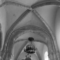 Les voûtes de la croisée du transept et du choeur vues vers l'est (1996)