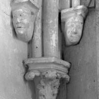 Chapiteau et culs-de-lampe à l'angle nord-est du choeur (1995)