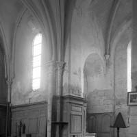 Vue partielle du choeur et de la base du clocher vers le sud-est (1995)
