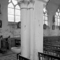 Un pilier de la nef (1979)