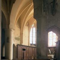 Vue partielle du choeur vers le nord-est depuis le bras sud du transept (1997)