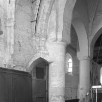 Vue partielle de la croisée du transept vers le sud-ouest depuis le choeur (1997)