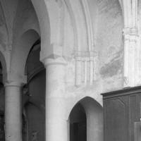 Vue partielle de la travée droite du choeur et de la croisée du transept vers le nord-ouest (1997)