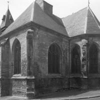 La chapelle sud et le choeur vus du sud-est (1996)
