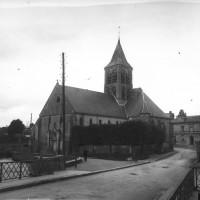 L'église vue du sud-ouest, en 1910 (Gallica)