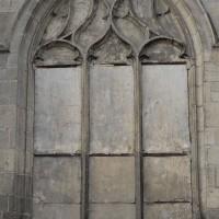 Fenêtre gothique flamboyant au mur est du choeur (2018)