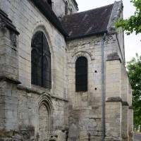 Vue partielle du mur nord du choeur et du bras nord du transept depuis le nord-est (2017)
