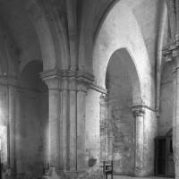 Vue partielle du bras sud du transept et de la chapelle sud vers le sud-est (1997)