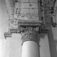 Retombée de voûtes entre la seconde et la troisième travée de la nef, côté sud  (1995)