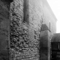 Les deux premières travées de la nef vues du nord-est (1995)
