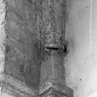 Retombée d'une voûte d'arêtes de la nef (1995)