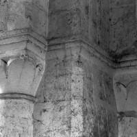 Chapiteaux de la base du clocher (1995)