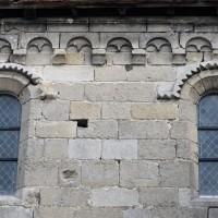Fenêtres et corniche beauvaisine de la nef (2015)