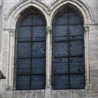 Fenêtre du mur ouest du bras sud du transept (2015)