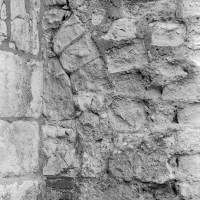 Restes de porte romane à la nef (1974)