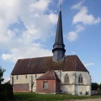 L'église dans son environnement vue du sud (2016)