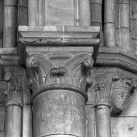 Chapiteaux de la pile nord-ouest de la travée du clocher (1997)