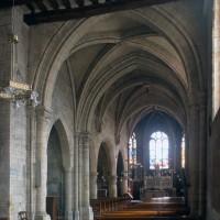 La travée du clocher et le choeur vus vers le nord-est (1997)