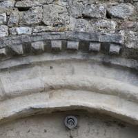 Billettes à l'archivolte du portail ouest (2018)