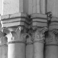 Chapiteaux de la retombée sud de l'arc triomphal (1996)