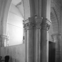 Le pilier intermédiaire au sud du choeur vu vers le sud-est (1996)