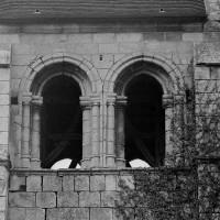 Les baies de la face sud de l'étage du beffroi du clocher (1970)
