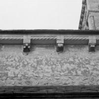 La corniche du mur gouttereau sud de la nef (1991)