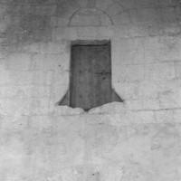 La porte d'accès au clocher vue vers le nord (1972)