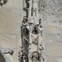 Détail d'un pinacle encadrant le portail ouest (2016)