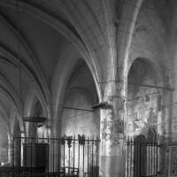 Les arcades nord de la nef vues vers le nord-ouest (1997)