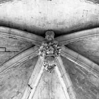 La clef de voûte de l'abside (1992)